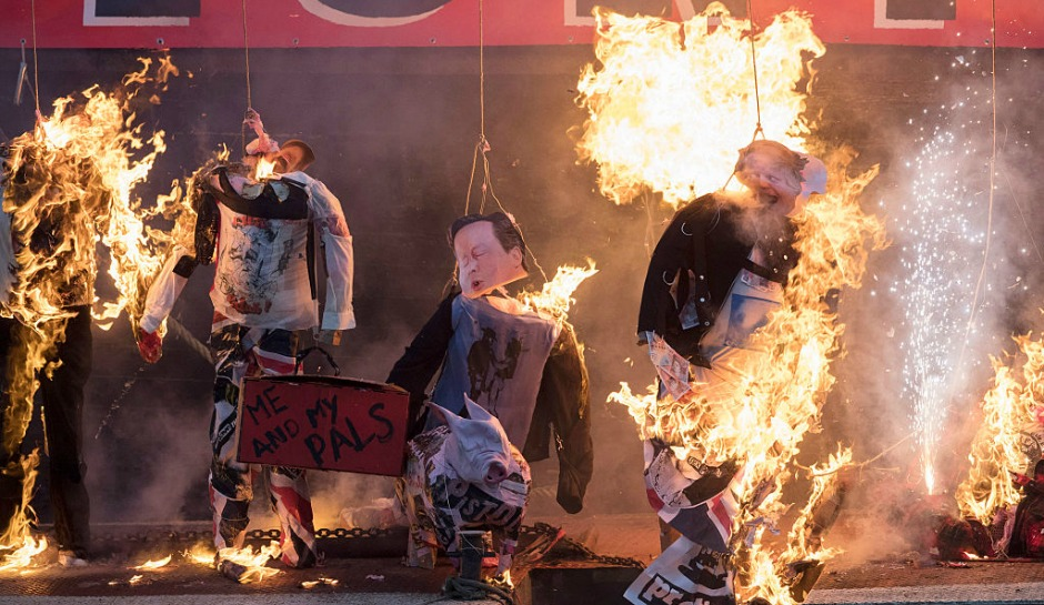LONDON, ENGLAND - NOVEMBER 26: Joe Corre, the son of Vivienne Westwood and Sex Pistols creator Malcolm McLaren (not in picture) burns his entire £5 million punk collection on November 26, 2016 in London, England. Joe Corre burnt the rare punk memorabilia in protest saying punk has no solutions for today's youth and is 'conning the young'. (Photo by John Phillips/Getty Images)