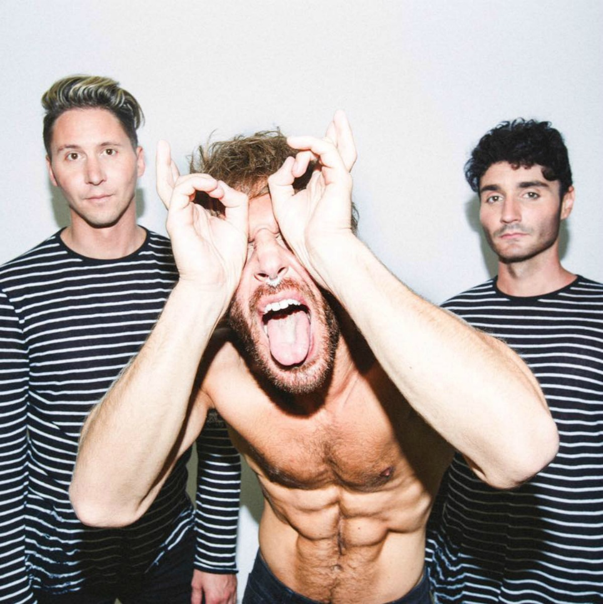 "TRACK REVIEW: Smallpools ""Run with the Bulls"""