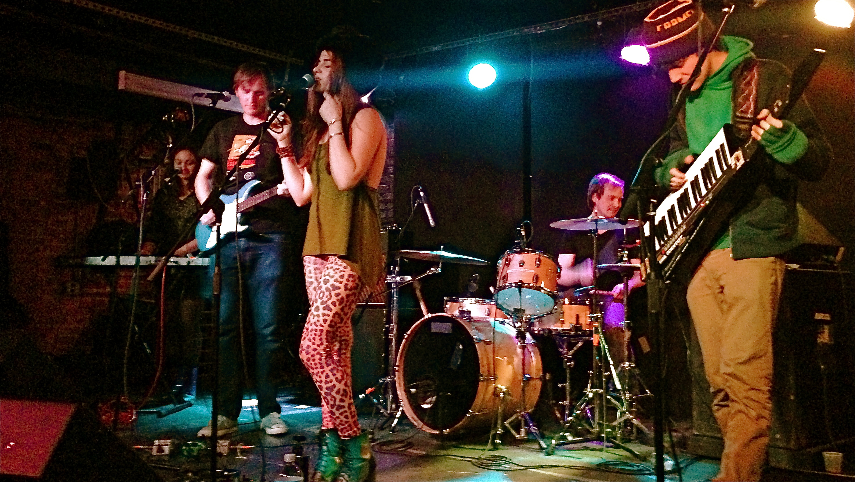 LIVE REVIEW: Teen Girl Scientist Monthly @ Mercury Lounge