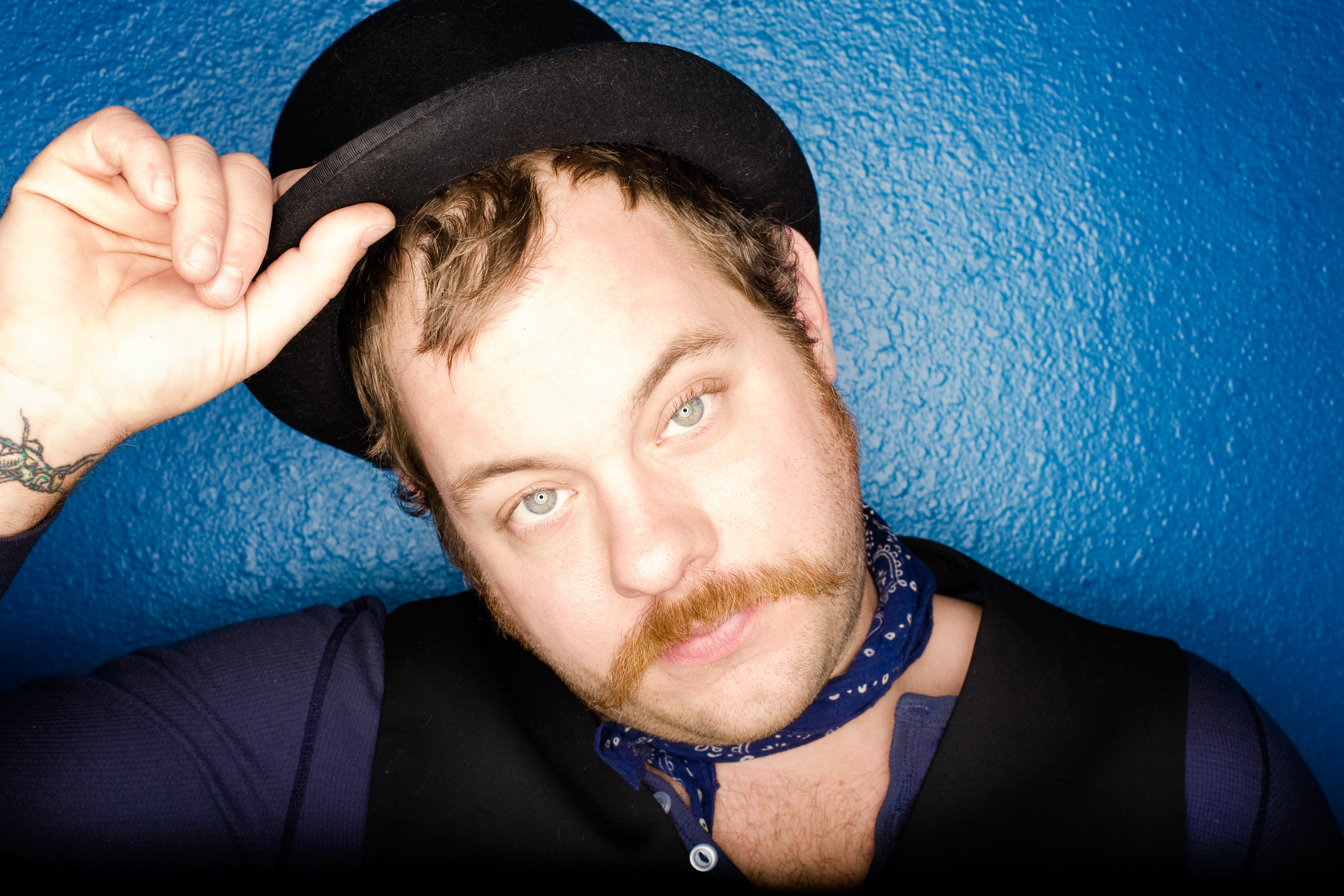 "ALBUM REVIEW: Nathaniel Rateliff ""Falling Faster Than You Can Run"""