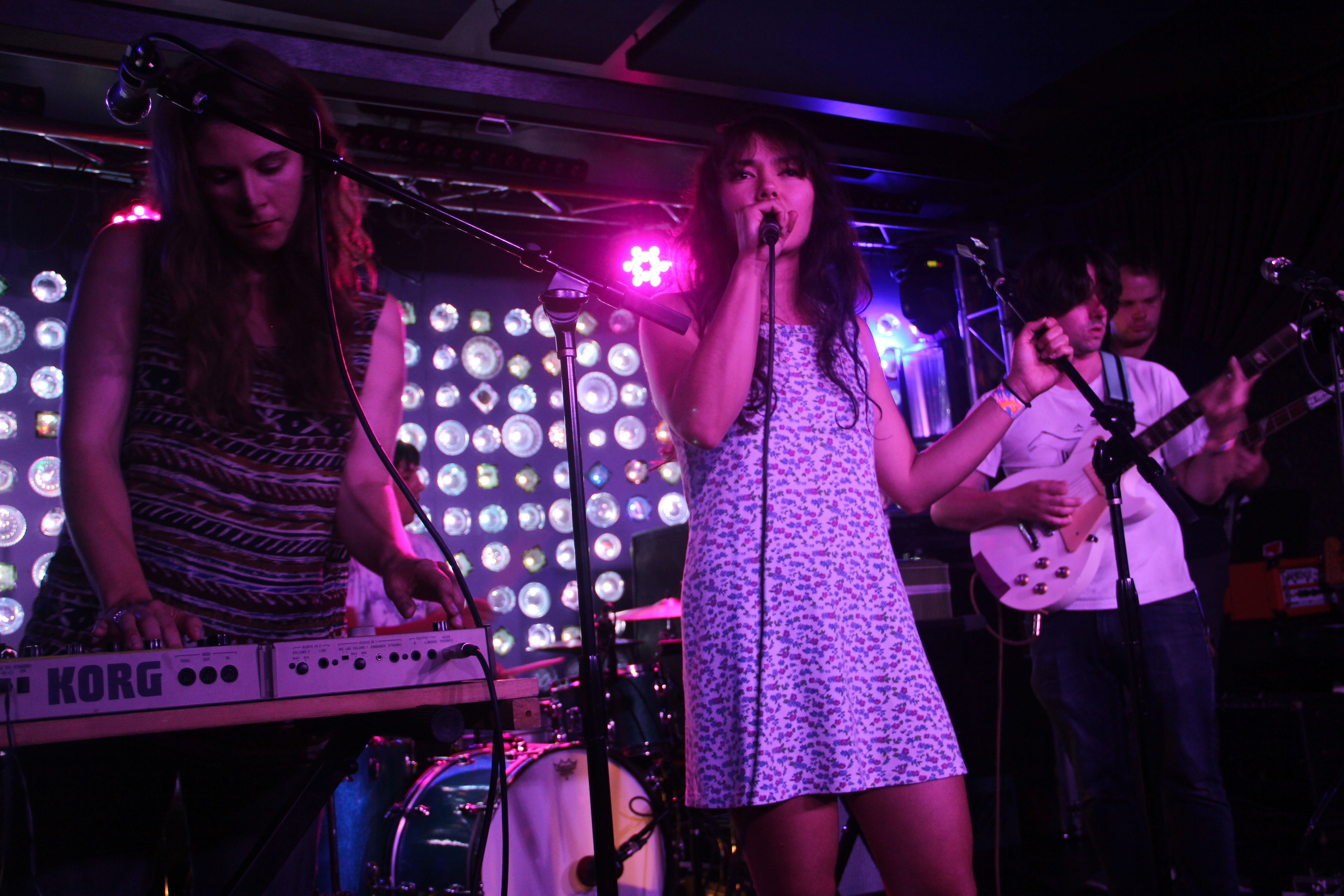 LIVE REVIEW: A Sunny Day in Glasgow @ Baby's All Right