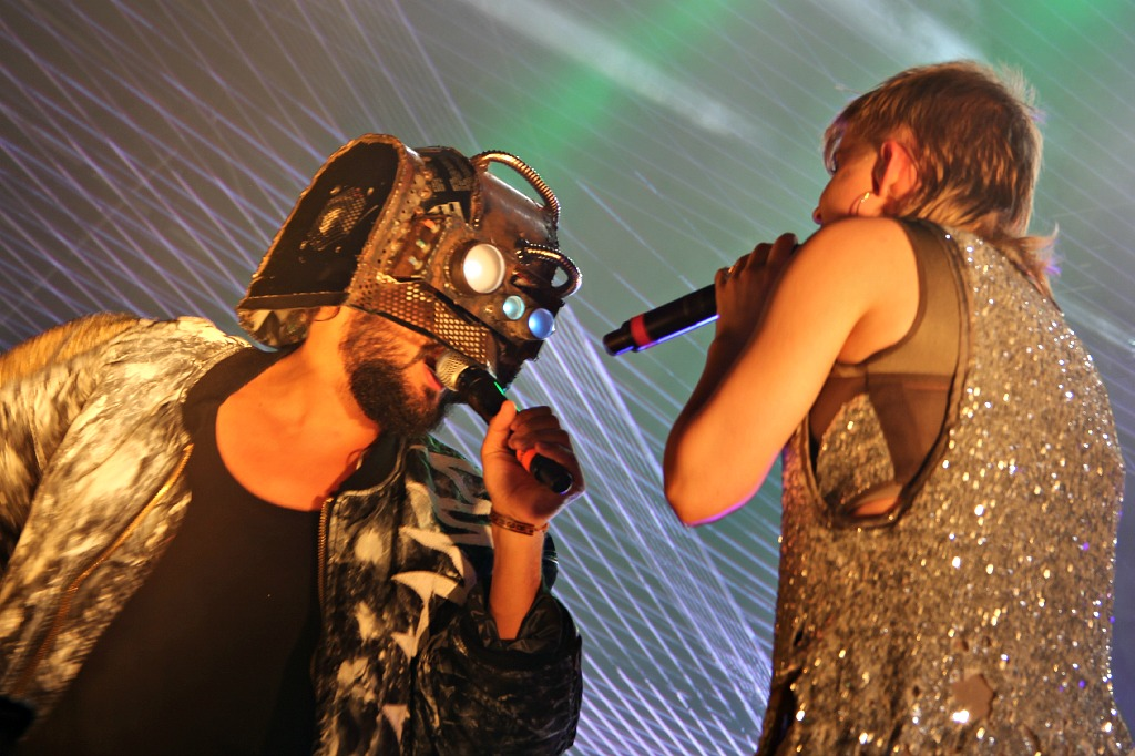 LIVE REVIEW: Robyn and Royksopp @ Pier 97