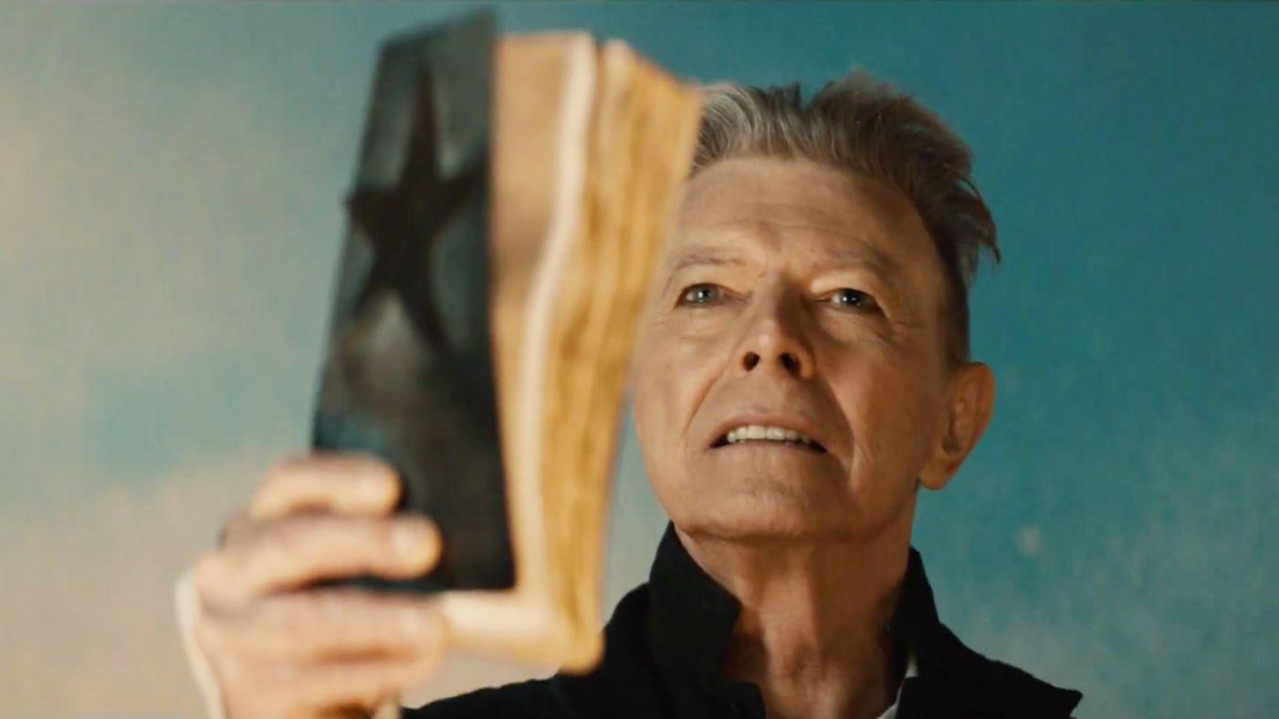 NEWS ROUNDUP: David Bowie, Courtney Barnett, & The Market Hotel