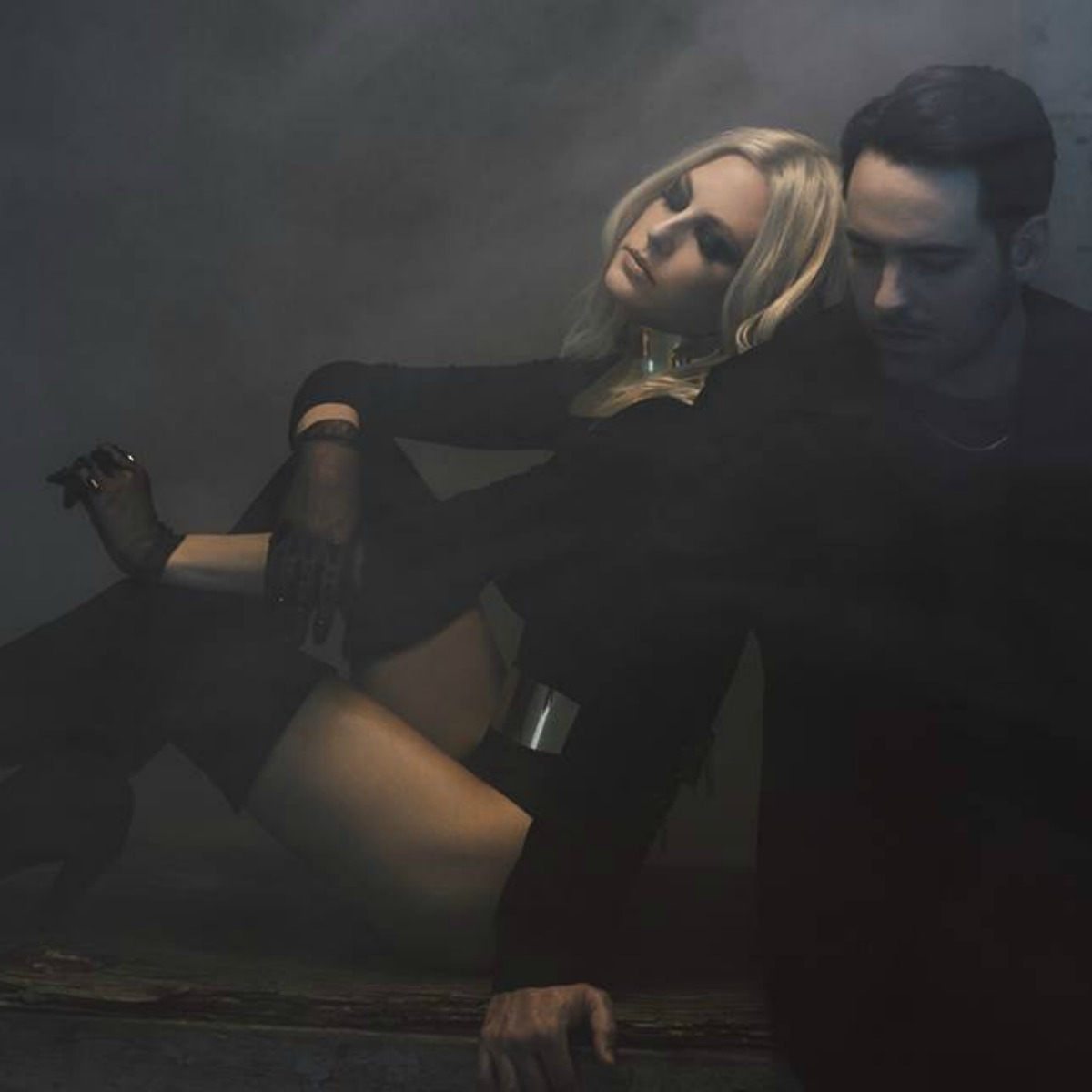 "VIDEO REVIEW: Phantogram ""You Don't Get Me High Anymore"""