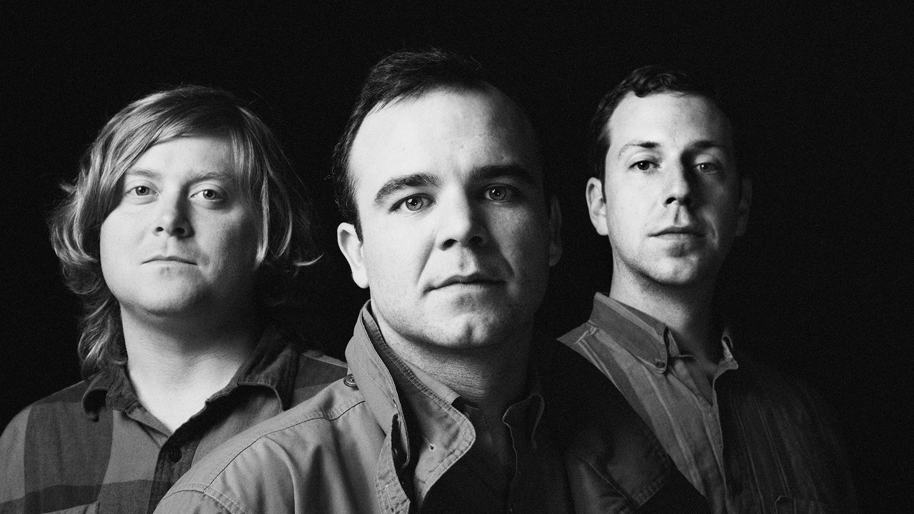 "TRACK REVIEW: Future Islands ""Ran"""