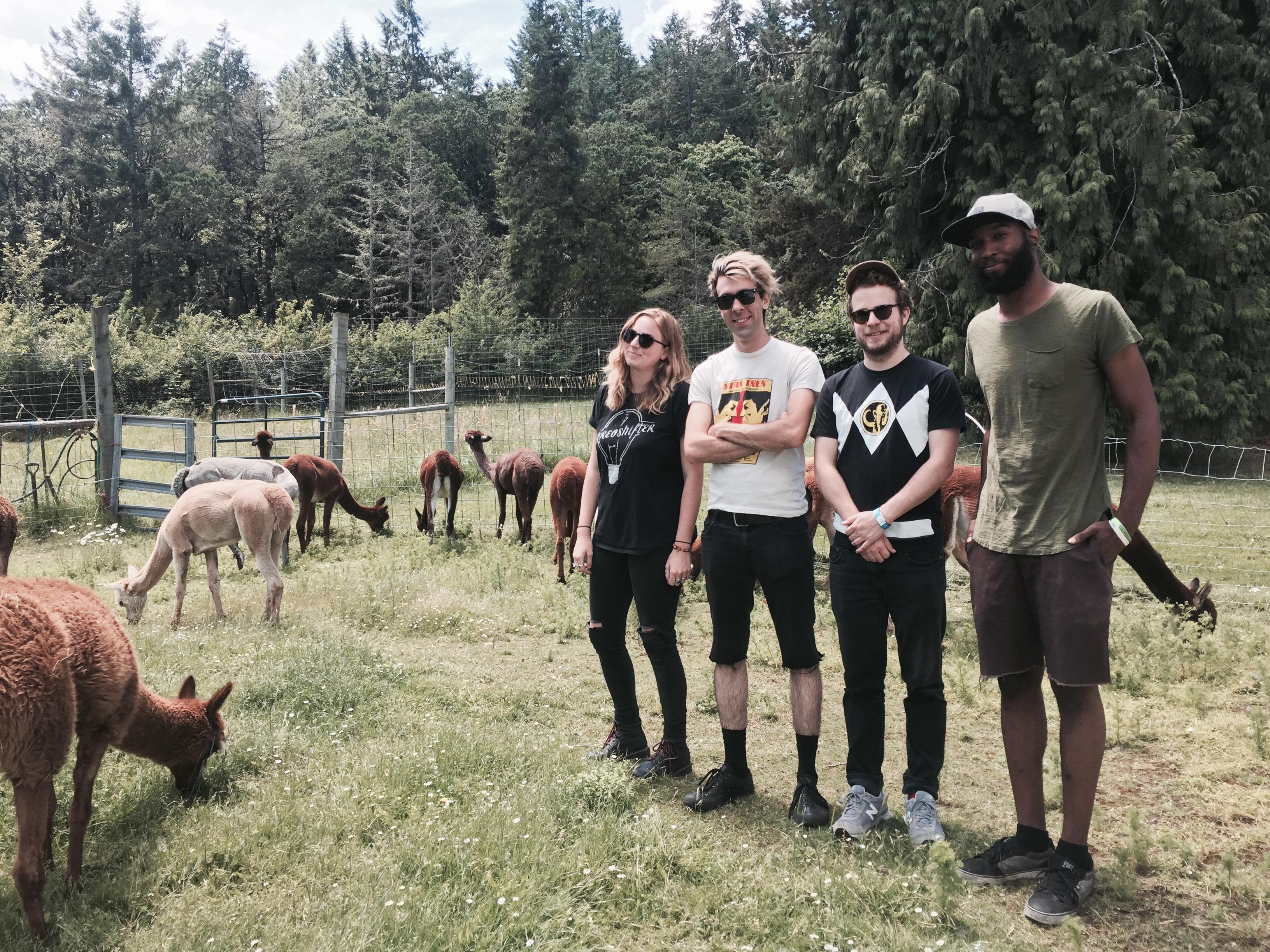 "EP PREMIERE: Devin Davis of Ramonda Hammer Discusses ""Destroyers"""