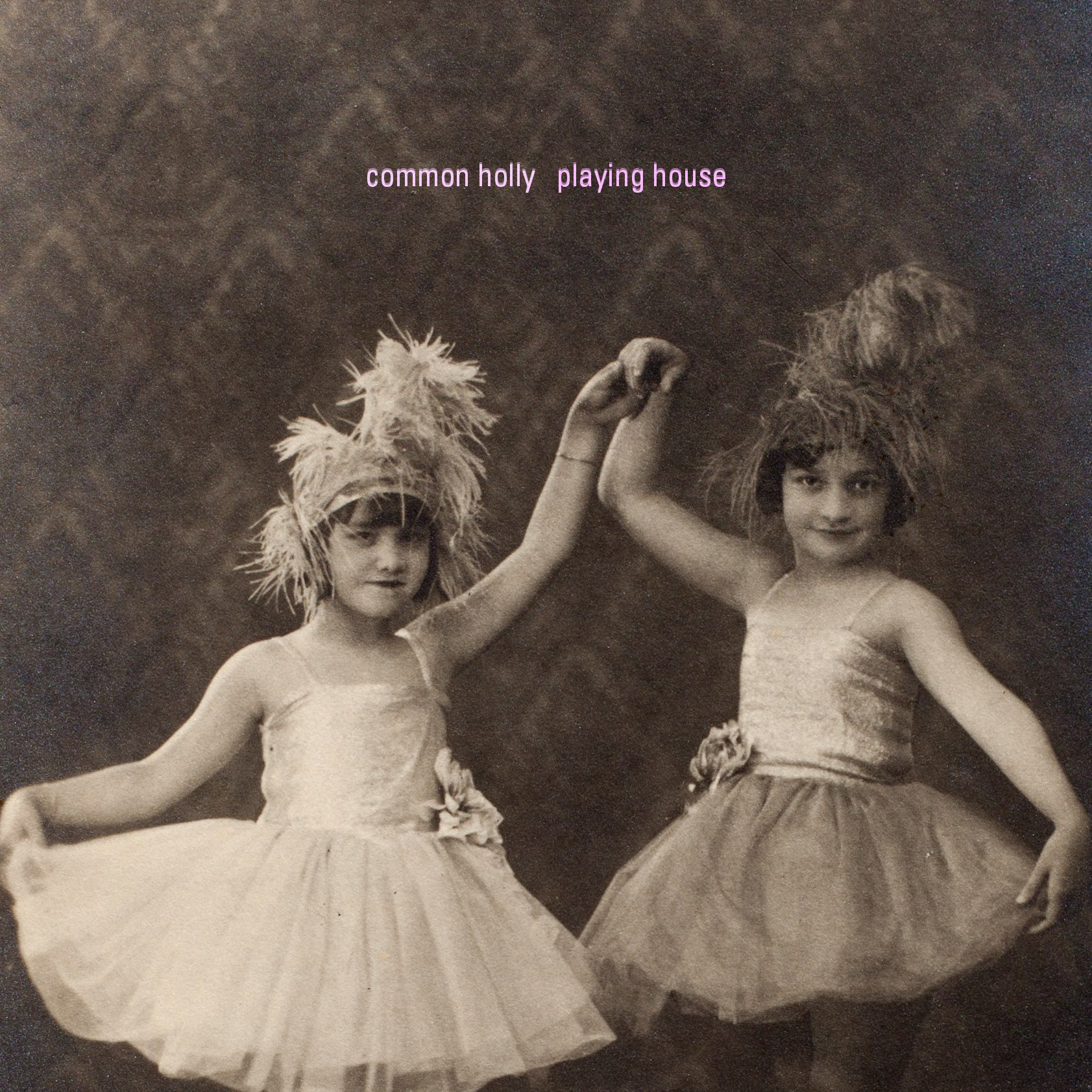 "ALBUM REVIEW: Common Holly ""Playing House"""