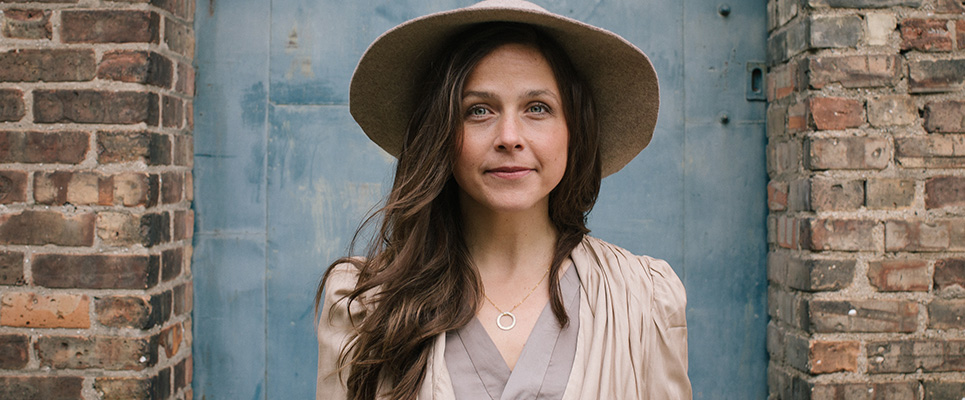 """PLAYING DETROIT: Folkie May Erlewine Charms with """"Never One Thing"""""""