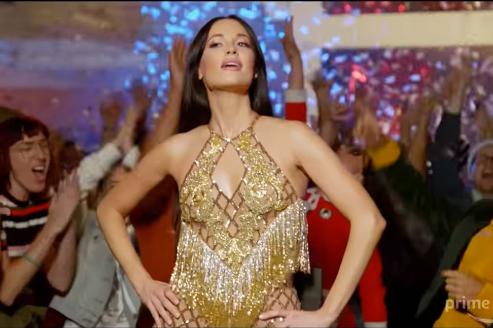 Kacey Musgraves Glows in New Christmas Special