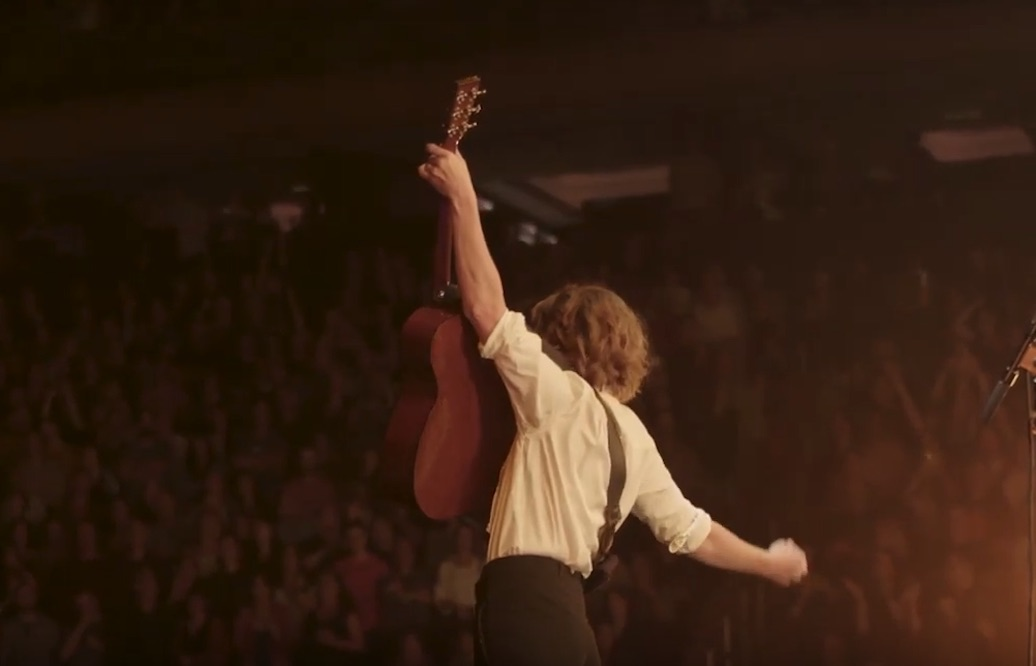 "Brandi Carlile Brings Nashville to New York in ""Road to the Garden"" Mini-Doc"