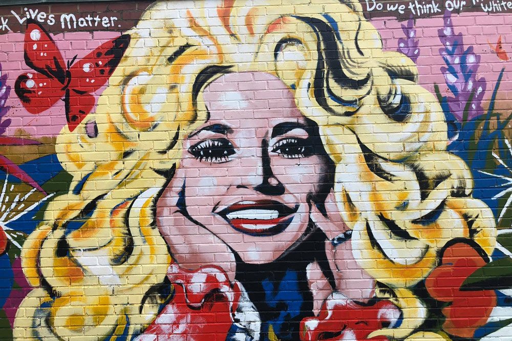 Artist Kim Radford Creates Living Murals in Nashville's Streets
